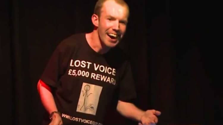 Disabled comedian beats hundreds to win BBC award