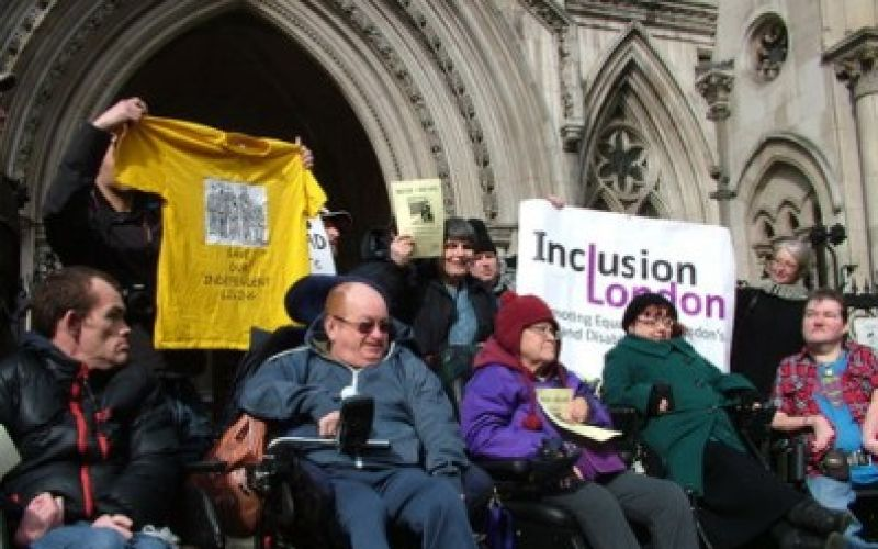 ILF-users protesting against the closure of the fund