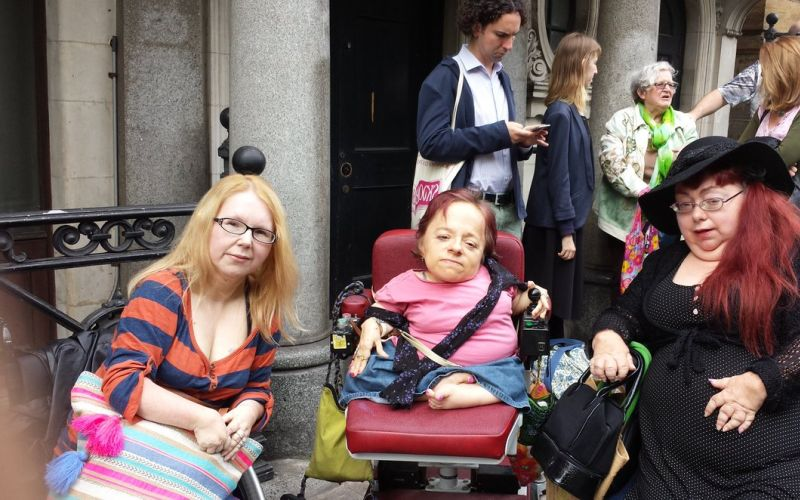 Disabled people in front of the Japanese embassy