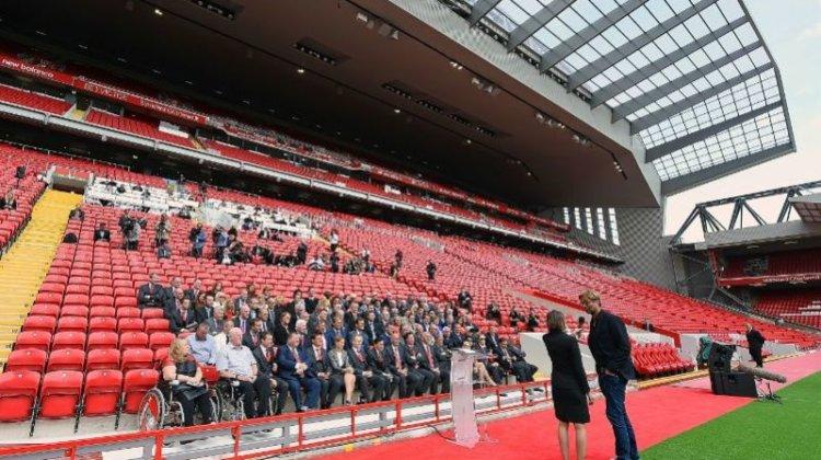 Premier League clubs 'will break access pledge' despite billion pound transfer spree