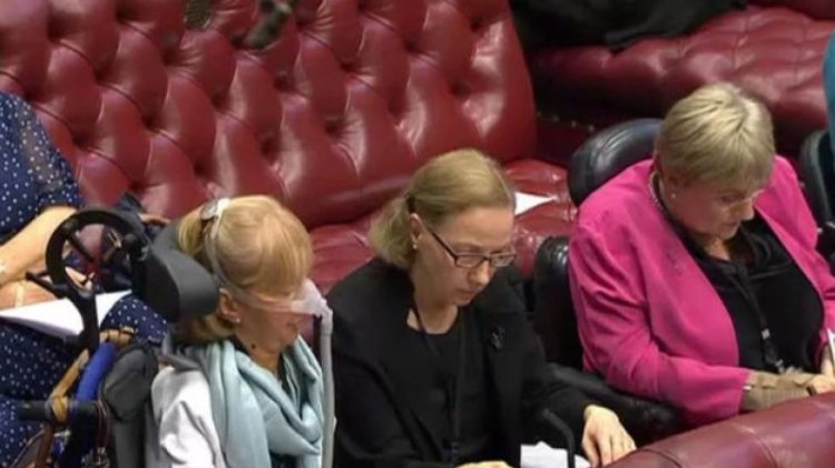 Government must rip up response to Equality Act report, say disabled peers