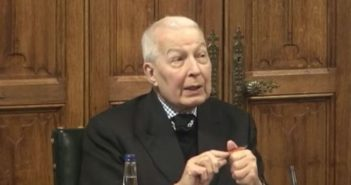 Frank Field speaking at a session of the work and pensions committee