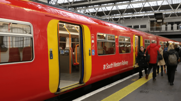Election 2019: Labour wins praise for 'driver-only operation' train ban