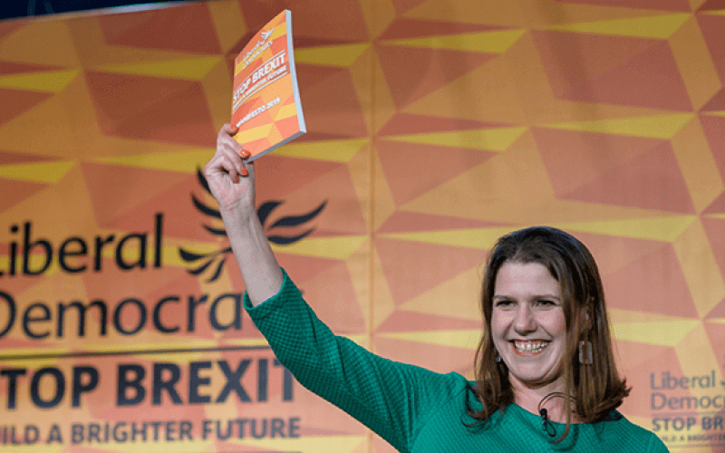 Jo Swinson with the Lib Dem manifesto