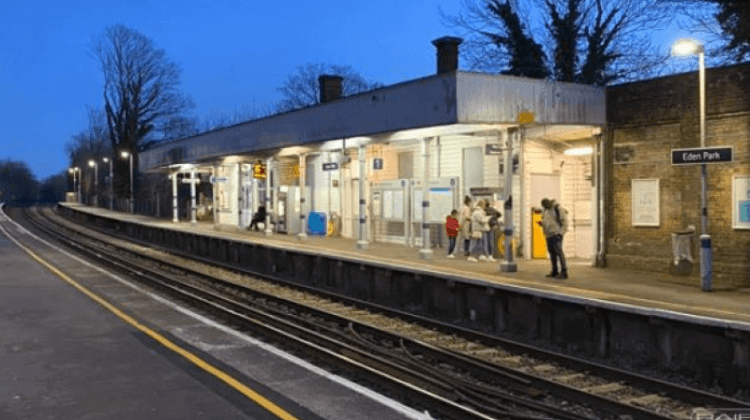 Delay in platform safety markings 'will put lives at risk for years to come'